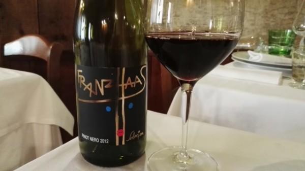 pinot nero schweizer vino tube